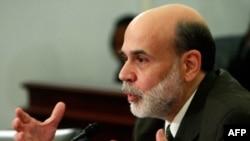 Бен Бернанке видит риск затяжного замедления роста экономики США и считает принятие пакета экономических стимулов своевременным
