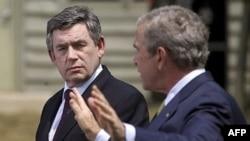گوردون براون نخست وزير بريتانيا و جورج بوش، رييس جمهوری آمريکا در کمپ ديويد دیدار کردند