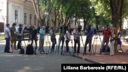 Imagine generică - jurnaliști, în așteptarea unui briefing, la Chișinău