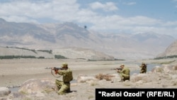 A clash between Tajik forces and gunmen on the Afghan border on March 5 reportedly left two people dead. (file photo)