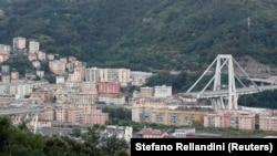 Pamje pas shembjes së urës Morandi në Gjenova