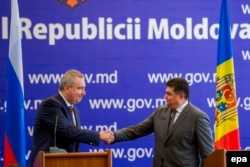 Dmitri Rogozin și Octavian Calmîc, la Chișinău, 5 iulie 2016