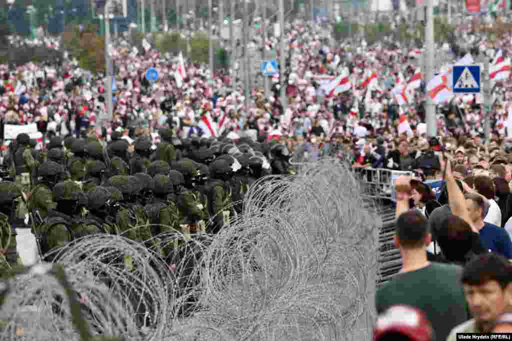 The heavy presence of security forces did not seem to deter the demonstrators, however, even though more than 7,000 have been detained and hundreds beaten amid a crackdown by authorities since protests erupted after the election.