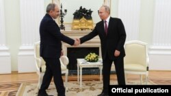 Russia -- Russian President Vladimir Putin meets with Armenian Prime Minister Nikol Pashinian, Moscow, January 11, 2021.