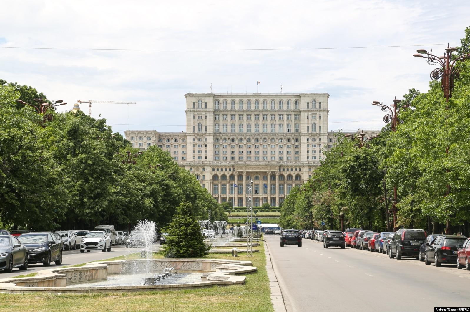 Bucureștiul este orașul unde tunurile imobiliare sunt cele mai profitabile, aceasta pentru că orașul se extinde în continuu, iar cererea de terenuri este mare.