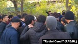 Маросими дафни яке аз қурбониён дар Душанбе. Рӯзи 7-уми ноябри соли 2019