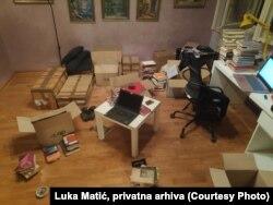 """""""Oko kategoriziranja tih knjiga iz moje biblioteke to je bilo oko 12 časova posla"""", kaže Luka Matić."""