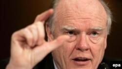 Оставку Джона Сноу связывают с неэффективной популяризацей экономических идей Джорджа Буша