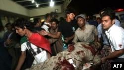 شاهدان عينی می گويند که پس از انفجار اتوبوس در آتش سوخت و ماموران آتش نشانی موفق به نجات هيچکدام از مسافران نشدند.