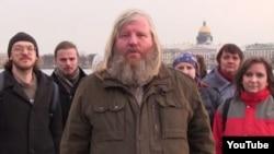 Обращение группы православных верующих из Петербурга, кадр из видео