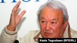 Қазақ гуманитарлық заң университетінің президенті Мақсұт Нәрікбаев.