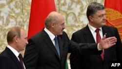 Встреча президентов Белоруссии, Украины и России на саммите в Минске