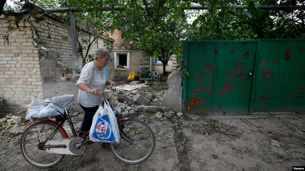 Ukraine Blames Separatists For Bombardment That Injures Eight Civilians
