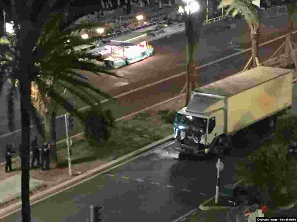 Предположительно грузовик нападавших