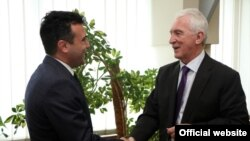 Архивска фотографија-средба на лидерот на СДСМ Зоран Заев со рускиот амбасадор во Македонија Олег Шчербак