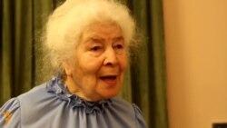 """Клара Булатова: """"Минүземнән үзем көлә беләм. Озак яшәүсере шундадыр"""""""