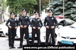 Нова уніформа київської патрульної поліції, 1 липня 2015 року (фото: www.mvs.gov.ua)