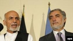 Presidential Candidates Ashraf Ghani (L) and Abdullah Abdullah.
