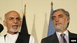 Ashraf Ghani (sol) və Abdullah Abdullah