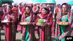 21-22-nji mart günleri Türkmenistanda Bahar baýramy – Nowruz.