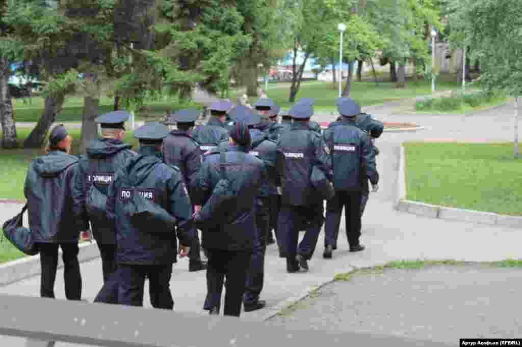 Уфада ШЫҰ және БРИКС саммиттері кезінде 10 мыңға жуық полиция қызметкерлері жұмылдырылды.
