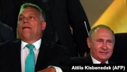 Președintele rus Vladimir Putin cu premierul Orban la Campionatul Mondial de Judo la Budapesta