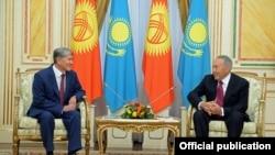 Астанадагы кыргыз-казак президенттеринин сүйлөшүүсү. 7-ноябрь, 2014-жыл.