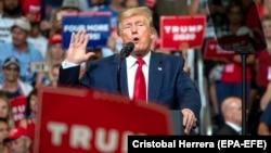 Donald Tramp na skupu u Floridi