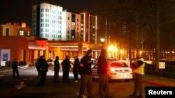 Поліція біля готелю на вході до «Диснейленду», де виявили озброєного чоловіка, 28 січня 2016 року