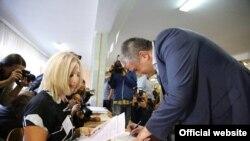 Сергій Аксьонов на виборчій дільниці, архівне фото