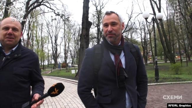 Рябошапка відмовився розповідати журналістові, про що говорили на зустрічі