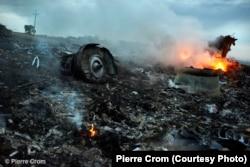 """17 июля 2014 года. Рейс MH17 из Амстердама в Куала-Лумпур сбит из ракетной установки """"земля-воздух"""" с территории, подконтрольной сепаратистам"""