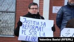 Igor Grosu la protestul de la Judecătoria Chişinău