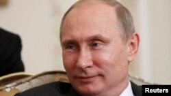 Orsýetiň prezidenti Wladimir Putin, 2013-nji ýylyň 12-nji sentýabry.
