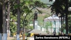 Памятник Коста Хетагурову в Цхинвали