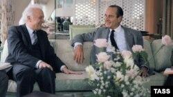 Архивное фото: премьер-министр Франции Жак Ширак и глава МИД СССР Эдуард Шеварднадзе, 1986 год