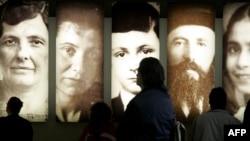 تصاویر قربانیان هولوکاست در برلین.