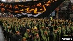 Процесія прихильників «Хезболли» на околиці Бейрута, 4 листопада 2014 року