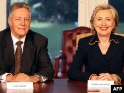 Peter Robinson və Hillary Clinton