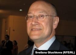 Қазақстандағы Нидерланд корольдігінің елшісі Питер ван Леувен. Астана, 14 мамыр 2012 жыл.