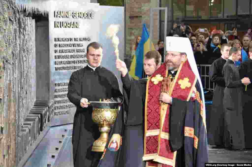 Церемонія освячення меморіалу