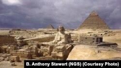 Древние памятники Египта привлекают множество туристов. В последние два года их, однако, стало заметно меньше