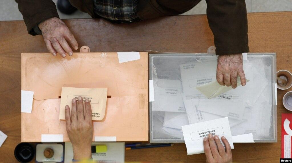 В Іспанії лідирує навиборах партія глави уряду— ЗМІ