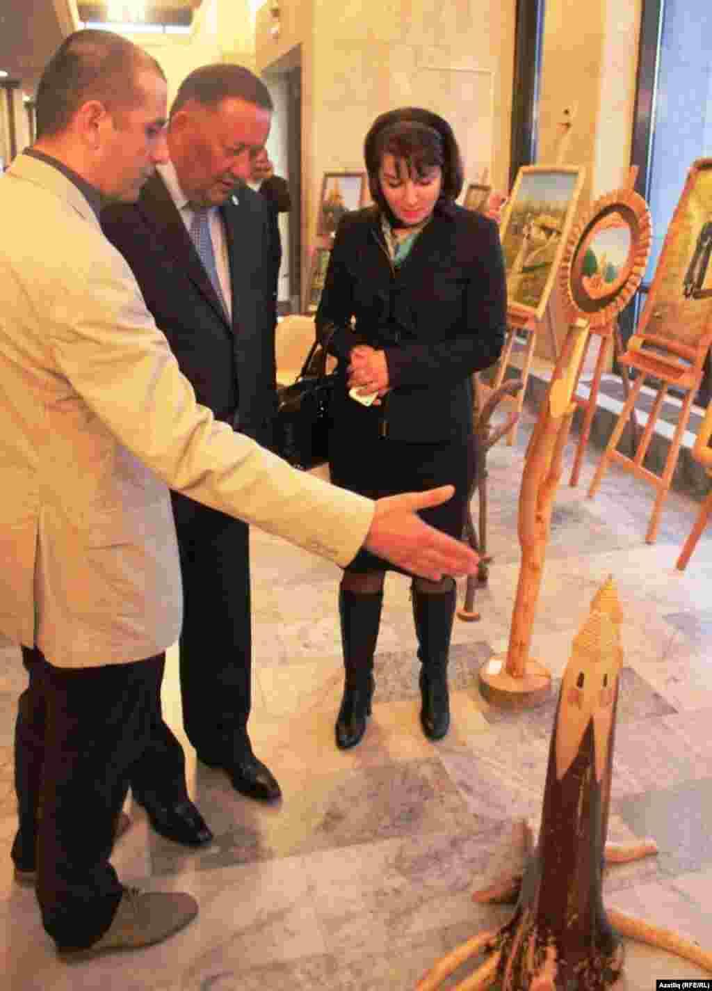 Татарстан мәдәният министры Айрат Сибагатуллин (уртада)