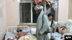 Povređeni svatovi zbrinuti su u bolnici, Kandahar, 10. jun 2010.