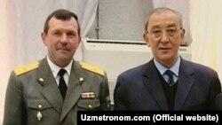 Полковник Александр Мокеев (слева) и бывший министр обороны Узбекистана Кадыр Гулямов.