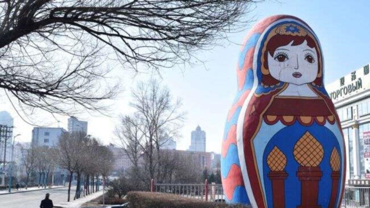 Китай закрывает границу с Россией через инфицирование коронавирусом тех, кто возвращается в страну