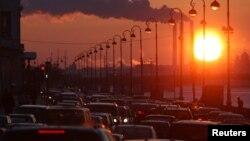 Zbog primedbi građana i velike prosečne starosti vozila u Srbiji privremeno odloženo merenje emisije štetnih gasova