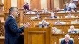 Premierul Ion Chicu în parlament, înainte de votul de investitură, 14 noiembrie 2019