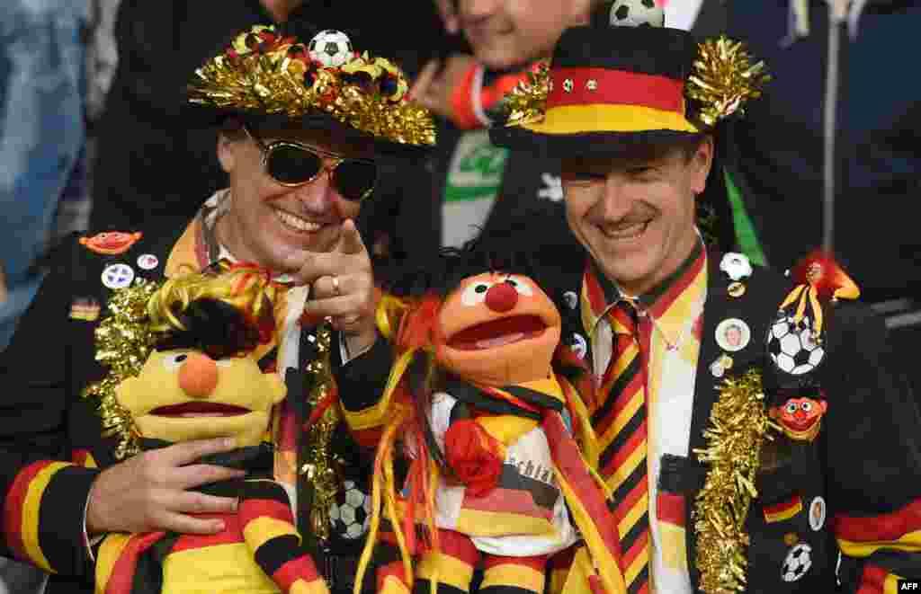 دو هوادار تیم آلمان